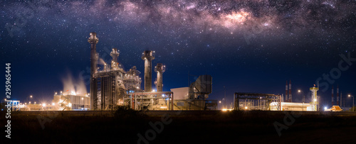 Cuadros en Lienzo  Industrial Panorama view Power plant zone with milky way at night