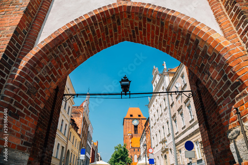 Cadres-photo bureau Europe de l Est Brama Zeglarska gate and old town in Torun, Poland