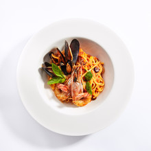 Delicious Spaghetti With Seafood And Tomatoes