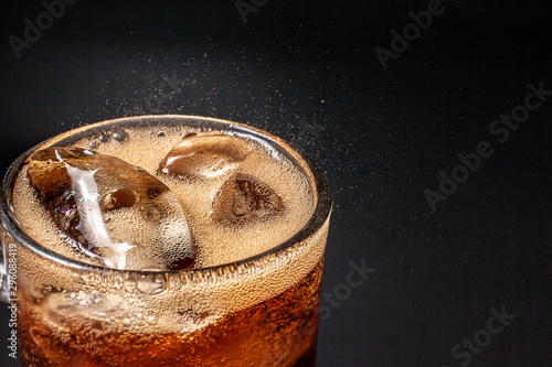 Valokuvatapetti Fizz sparkling Cola water Refreshing bubbly Soda Pop with Ice Cubes
