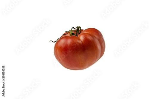 Obraz Smaczny czerwony pomidor izolowany na białym tle - fototapety do salonu