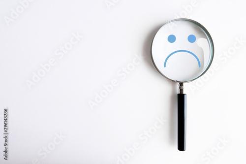 Photo lente di ingrandimento, psicologia, tristezza, malumore, personalità, psichiatri