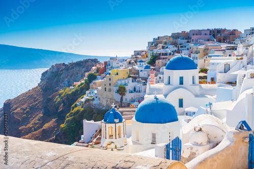 Foto auf AluDibond Santorini greek church in santorini greece