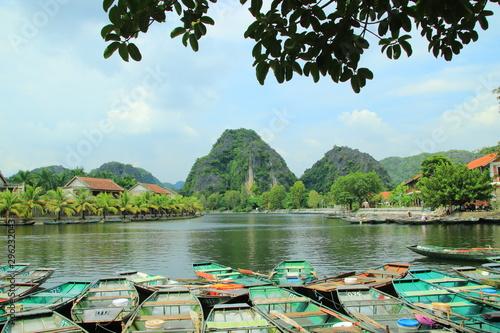 Tam Coc tourist area in Ninh Binh province Fototapet