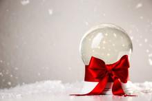Beautiful Christmas Snow Globe...