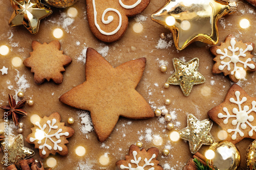 Pinturas sobre lienzo  christmas cookies  and ornaments, baking spices