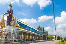 Restoration Of Buddha Statue W...