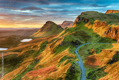 Foto op Aluminium Herfst Beautiful sunrise sky over rock formations on the Quiraing