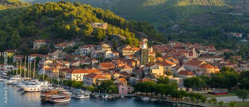 Montage in der Fensternische Südeuropa Skradin, Croatia - Panorama.Port town on the Krka River near the Krka Park..