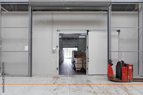 Cuadros en Lienzo Cargo Door Pallet Truck