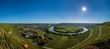 Neckarschleife bei Mundelsheim am Neckar mit Weinbergen