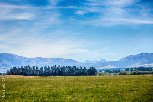 Foto auf Gartenposter Blau Beautiful Countryside at Farm Agriculture in South Island New Zealand