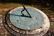 Horizontal Garden Sundial