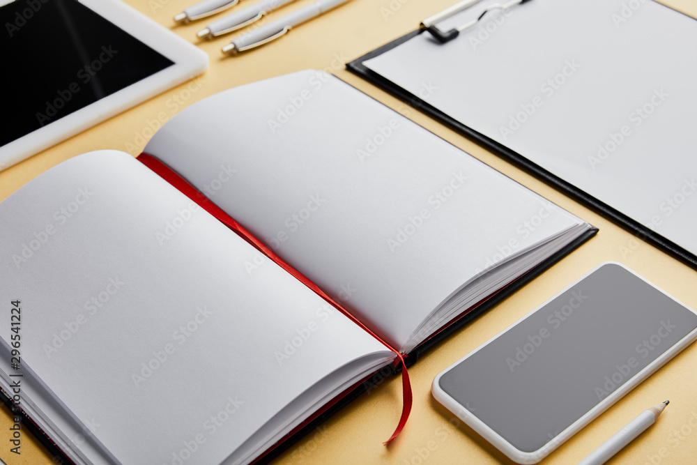 Fototapety, obrazy: notebook, clipboard, pens, pencil, smartphone and digital tablet with copy space