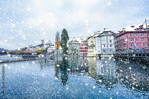 Snow falling over lucerne Reuss Tableau sur Toile