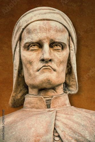 alte statue des dante alighieri