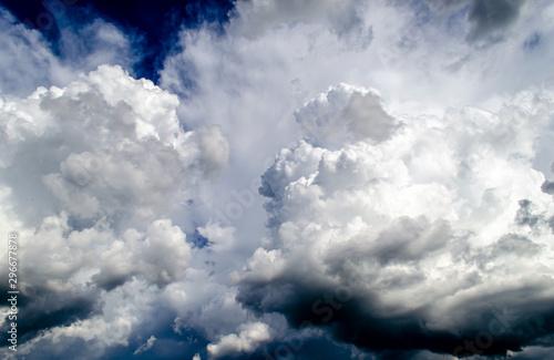 chmury-deszczowe