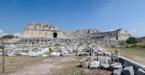 Photo Miletos ancient city theater, will be remembered in the annals of history as the birthplace of mathematician Thales and the two famous philosophers, Anaxagoras and Anaxima Aydin, Turkey