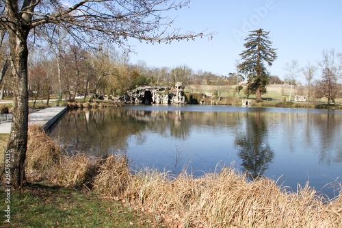 Fototapeten Natur Lake inside park of Majolan at Blanquefort city France