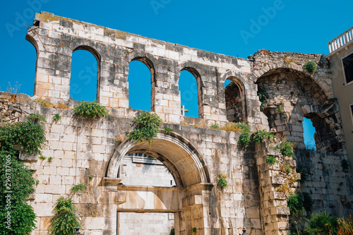 Foto op Plexiglas Oude gebouw Diocletian's Palace Silver Gate in Split, Croatia