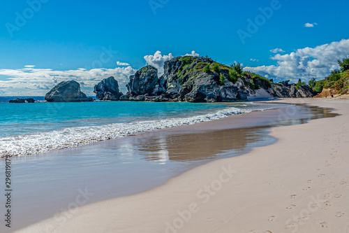 The idyllic sandy beach at Horseshoe Bay on the island of Bermuda Canvas Print