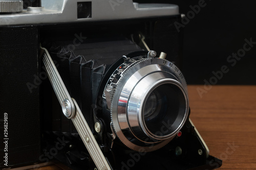 Fototapeta Classic Vintage Medium Format Folding Camera with A 120mm Film obraz na płótnie
