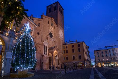 Duomo di Lodi di notte Wallpaper Mural