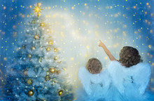 Christmas Tree And Children Lo...