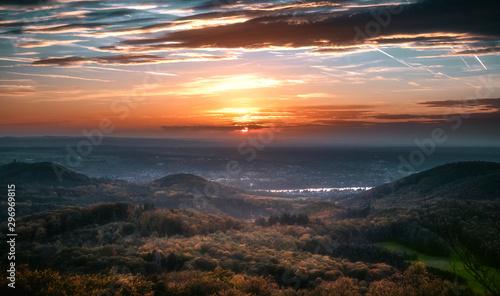 Montage in der Fensternische Lachs Sunset over Bonn from Ölberg