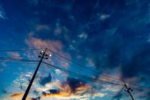 夕焼けと電柱