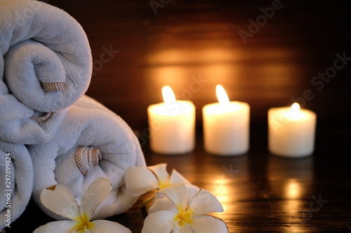 Fototapety, obrazy: candles and flowers