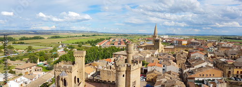 Photo Panorama of the Spanish town Olite with the ancient castle