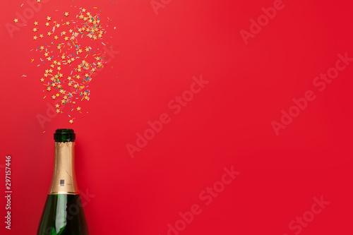 Montage in der Fensternische Amsterdam Champagne bottle holiday template