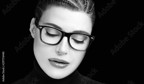 Fotomural Beautiful woman with braided hair wearing glasses