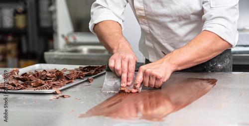 Fotomural  Making handmade chocolates