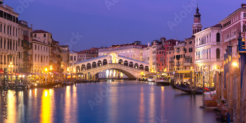 Recess Fitting Bridges The Rialto Bridge, Venice, Italy