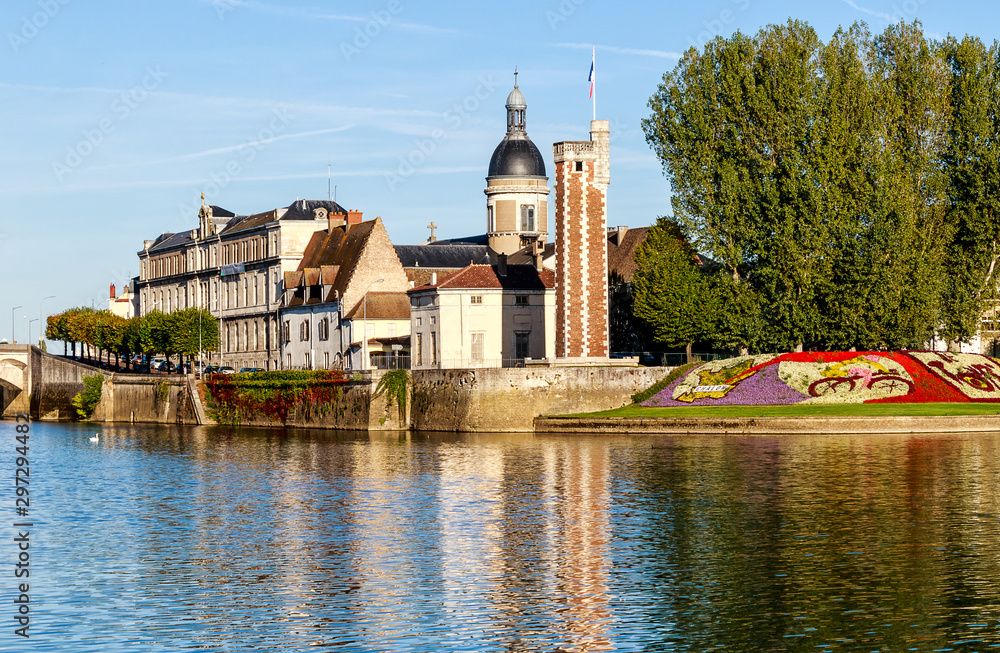 Fototapety, obrazy: Chalon -sur –Saone, City of Art and History with the Tour du Doyenne from the 15th century in the historic center on the Saint-Laurent Island. Bourgogne-Franche- Comte, France