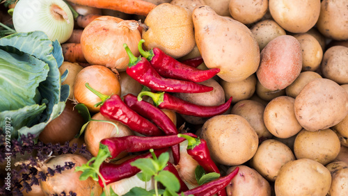 Fototapeta Set of seasonal vegetables - peppers and potatoes, healthy and tasty cabbage and carrots obraz na płótnie