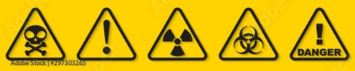Fotomural  Set of danger signs isolated on yellow background