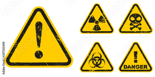 Obraz na plátne Set of grunge Danger signs isolated on white background