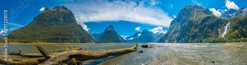 Fototapeta Milford Sound in New Zealand obraz