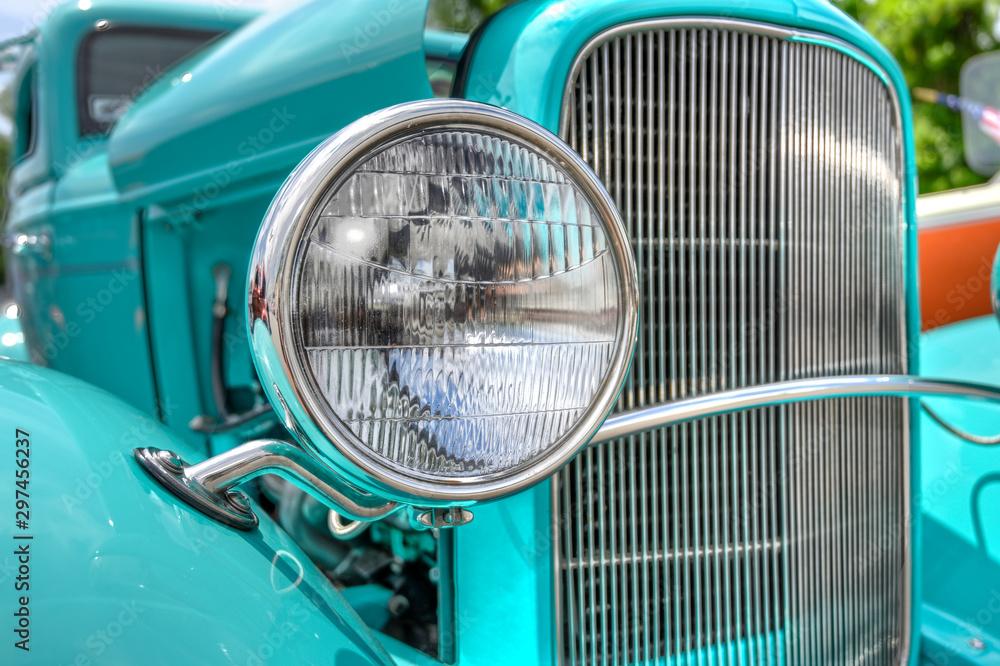 Fototapeta headlight of a classic car