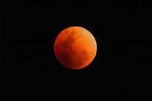 Super Blue Blood Moon January 2018 Lunar Eclipse, Real Time Taken In Kanchanaburi West Thailand. (photo Contain Noise A Bit)