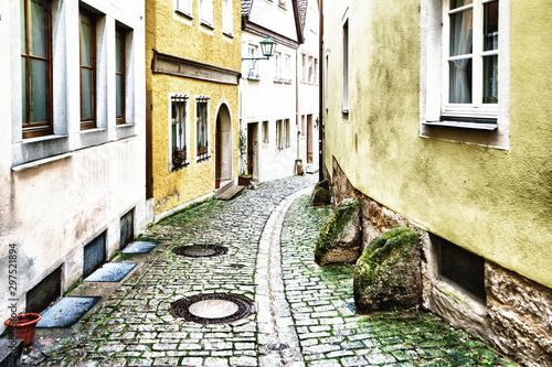 Fotografía  ROTHENBURG OB DER TAUBER, GERMANY - MARCH 05: Typical street on March 05, 2016 in Rothenburg ob der Tauber, Germany