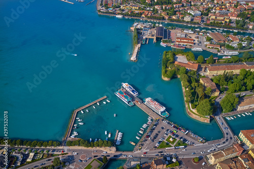 Montage in der Fensternische Blau türkis Aerial photography with drone. Beautiful view of the city of Peschiera del Garda, Italy.