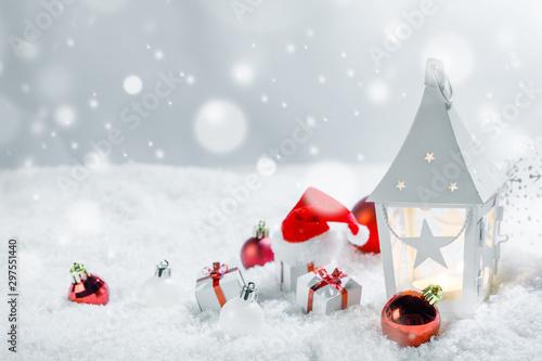 Montage in der Fensternische Amsterdam Christmas decor in snow