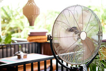 Electric Fan Cooling Air Durin...