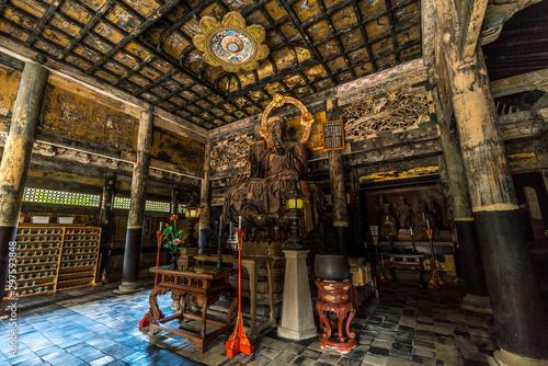 Kencho-ji temple 建長寺 Butsuden Hall Jizo Bosatsu statue 仏殿内 Wallpaper Mural