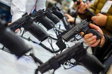 Gun Display Stands. Pistols Fo...