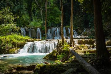 Panel Szklany Wodospad Tad Sae Waterfall in Luang prabang province, Laos.